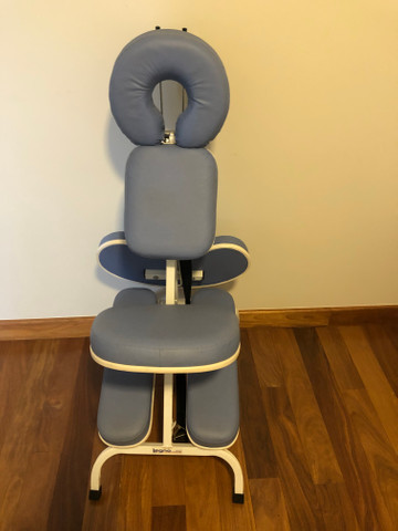 Vendo cadeira de massagem - Foto 2
