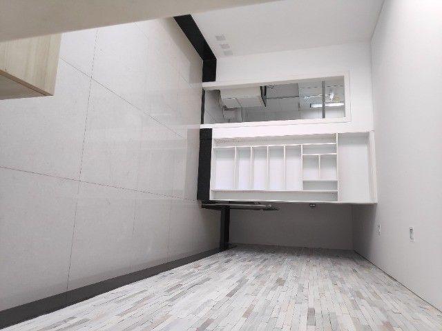 Apto Cobertura, suite e closed 3 quartos 3 banhos 2 salas área externa e 2 vagas cobertas - Foto 8