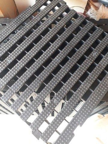 Estrado plástico 40x40x4,5 - Foto 2