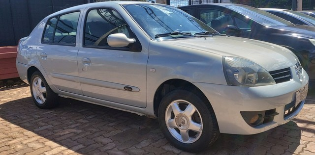 Clio sedan 1.6 08/09 - Foto 2
