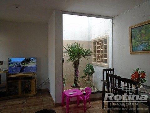 Casa à venda, 4 quartos, 1 suíte, 2 vagas, Residencial Gramado - Uberlândia/MG - Foto 3