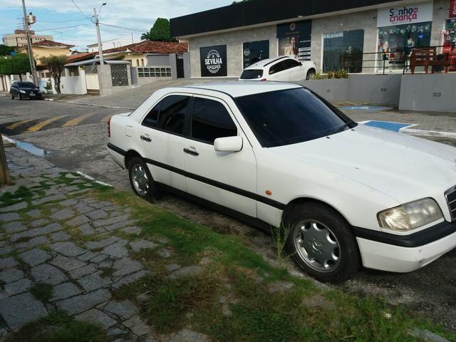 Vendo uma Mercedes c180 sedã ano 1996 - Foto 6
