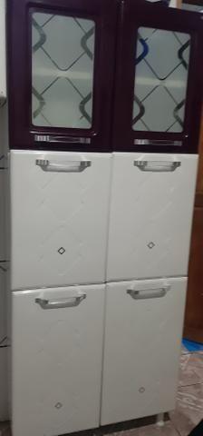 Vendo armario e paneleiros de ferro