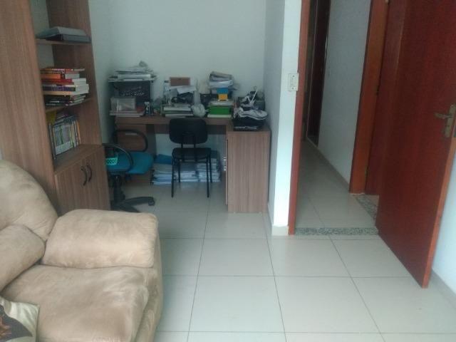 Tripléx 03 qtos 03 banh terraço garagem coberta churrasq. Centro Nilópolis RJ Ac carta! - Foto 11