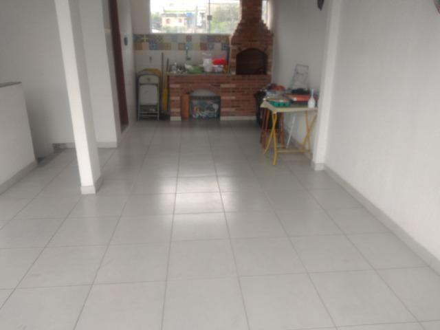 Tripléx 03 qtos 03 banh terraço garagem coberta churrasq. Centro Nilópolis RJ Ac carta! - Foto 2