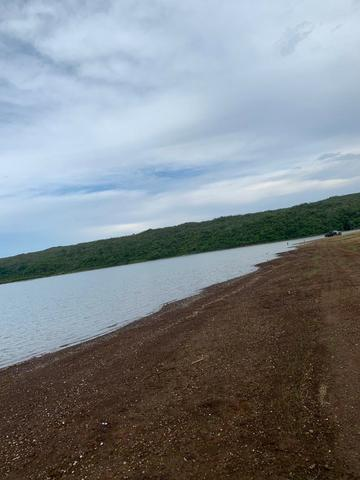 Oportunidade às margens do Lago Corumbá 3! 04 quartos, linda! - Foto 15