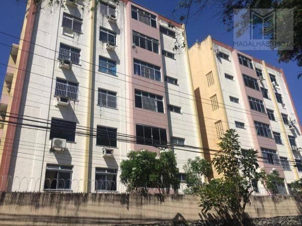 Apartamento com 3 dormitórios à venda, 100 m² por R$ 260.000 - Papicu - Fortaleza/CE