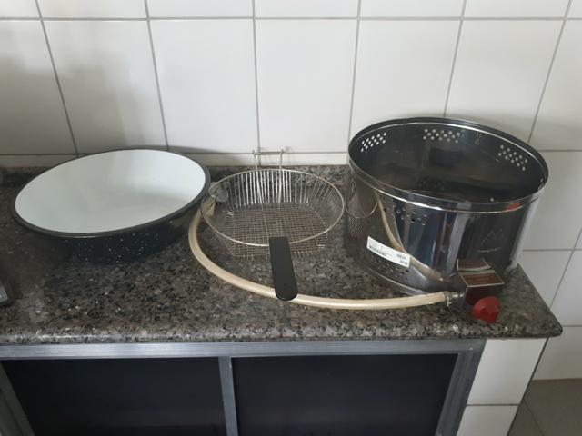 Fritadeira à Gás de aço inoxidável Semi Nova - Foto 3