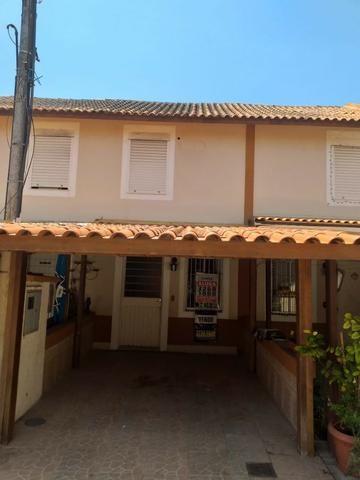 Sobrado para venda tem 100 metros quadrados com 2 quartos em Cavalhada - Porto Alegre - RS