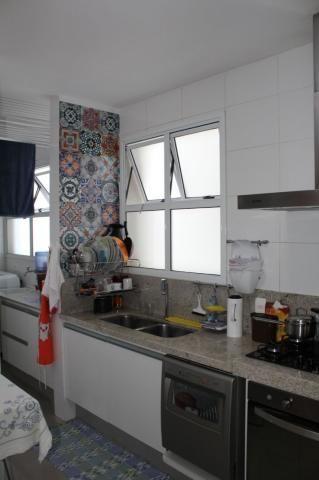 4 quartos, 2 suítes, varanda, elevador, 3 vagas livres, lazer e excelente localização. - Foto 16