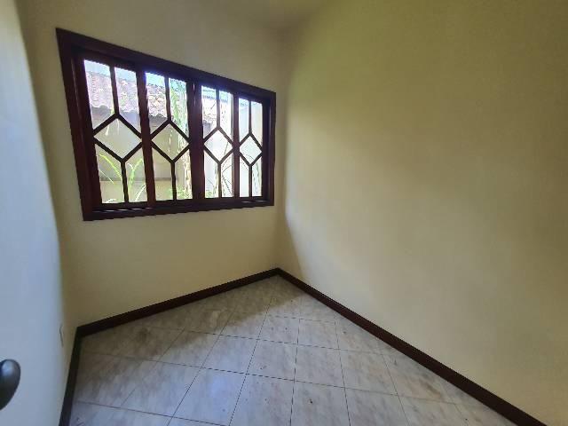 Casa duplex espaçosa de frente pra Rodovia 3 quartos churrasqueira  - Foto 13