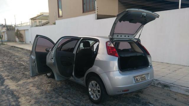 Fiat Punto ELX 1.4 2009/2010 Flex 8V, 5 portas, Cor prata - Foto 9