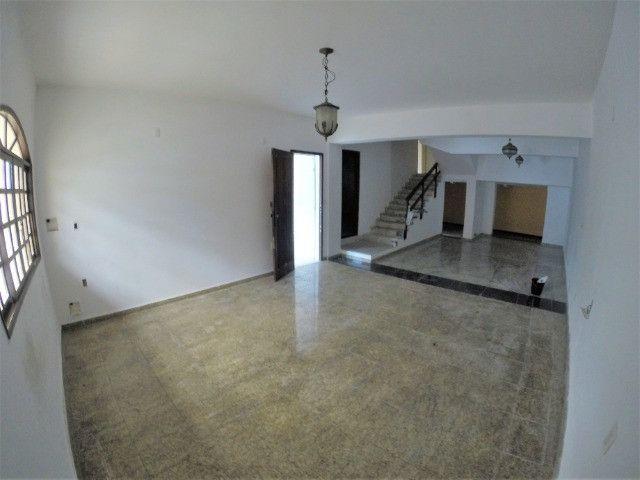 Alugo Casa Comercial / Residencial em Jucutuquara com 387m² e 5 quartos - R$ 5.000 - Foto 3