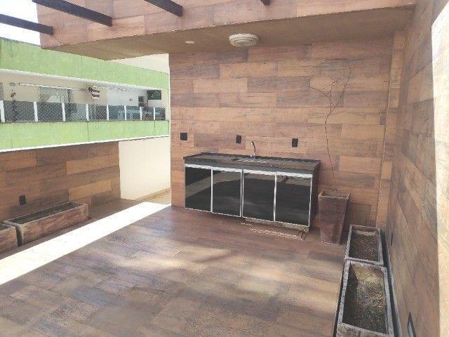 Apto Cobertura, suite e closed 3 quartos 3 banhos 2 salas área externa e 2 vagas cobertas - Foto 2