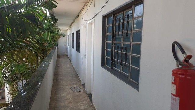 Edifício residencial para venda possui 600 metros quadrados com 14 Kitnets - Foto 13