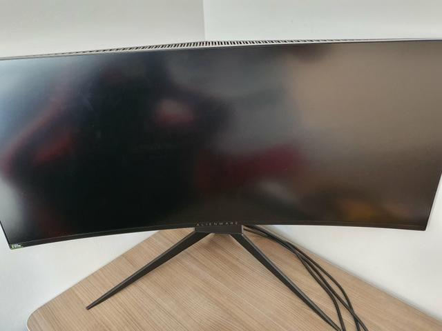 Monitor Alienware ultrawide 3440x1440 120Hz Modelo AW3418DW