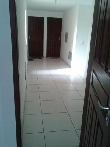 Alugo apartamento com 3 quartos sem burocracia - Foto 2