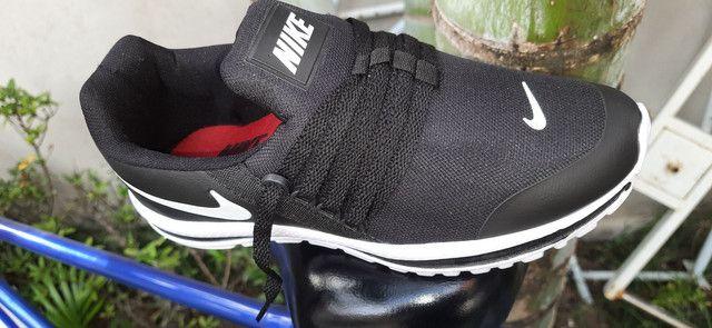 Tênis Nike cor preto n° 38 39 40 41 42 43 - Foto 2