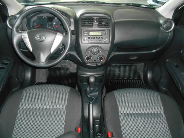 Nissan Versa 1.6 S - Foto 3