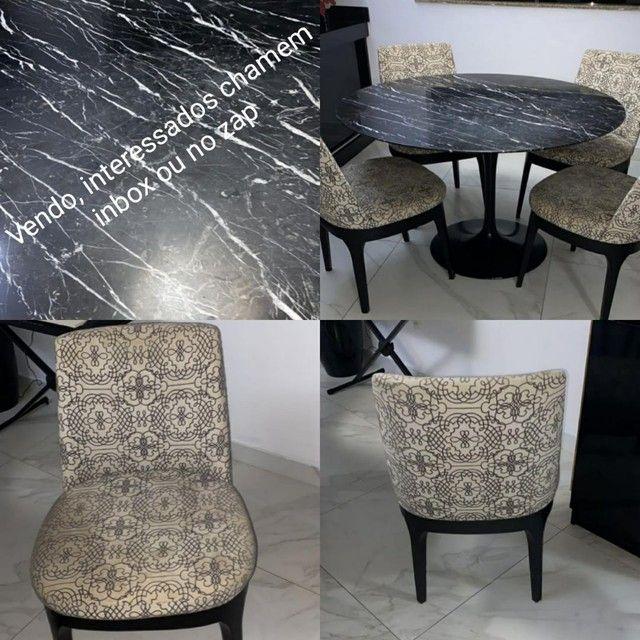 Mesa redondo com 4 cadeiras