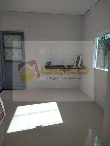 Casa para Venda em Uberlândia, São Jorge, 3 dormitórios, 1 suíte, 2 banheiros, 2 vagas - Foto 4