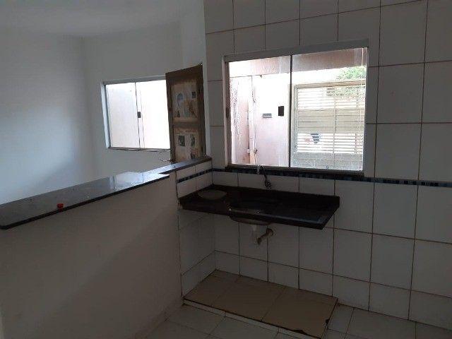 Casa Já financiada. Asfalto, com varanda, 2 quartos e etc. Parcela R$ 570,00. Caiobá - Foto 6