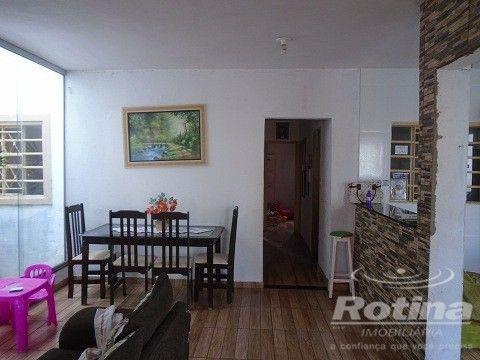 Casa à venda, 4 quartos, 1 suíte, 2 vagas, Residencial Gramado - Uberlândia/MG - Foto 4