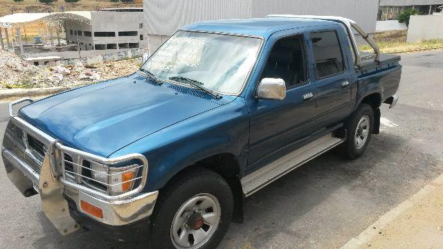 TOYOTA HILUX PICK UP ACEITO MENOR VALOR
