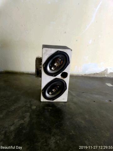 Vende-se uma caixinha de som com potência e cabo RCA - Foto 3