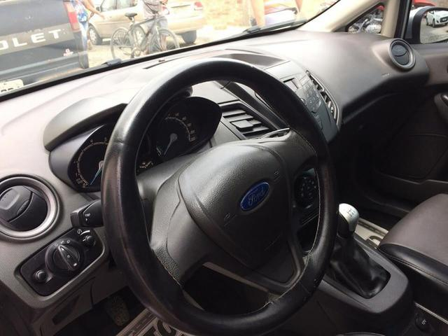 Ford New Fiesta 1.5 Hatch / 2015. Única dona - Foto 4