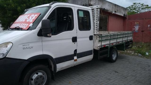 Vendo caminhão Iveco c55/17 12/13 cabine dupla com ar - Foto 7