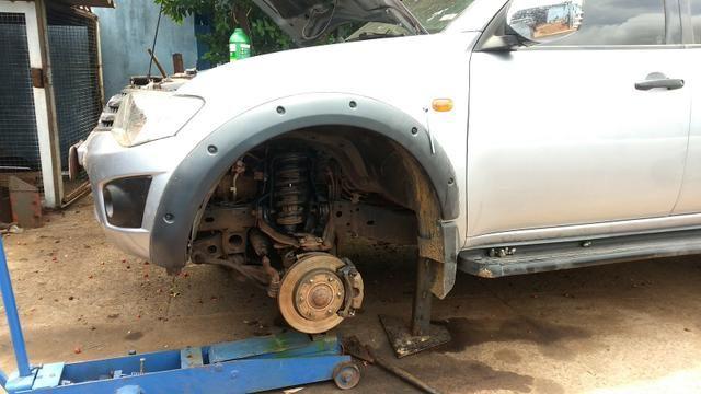 Reforço do suporte da mola da Mitsubishi Triton
