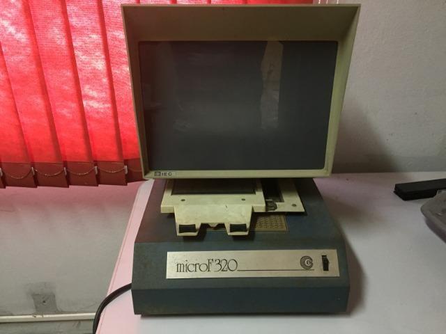 Leitor de microfichas