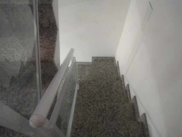 Tripléx 03 qtos 03 banh terraço garagem coberta churrasq. Centro Nilópolis RJ Ac carta! - Foto 12