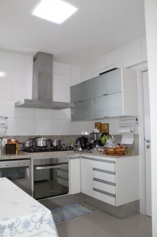 4 quartos, 2 suítes, varanda, elevador, 3 vagas livres, lazer e excelente localização. - Foto 14