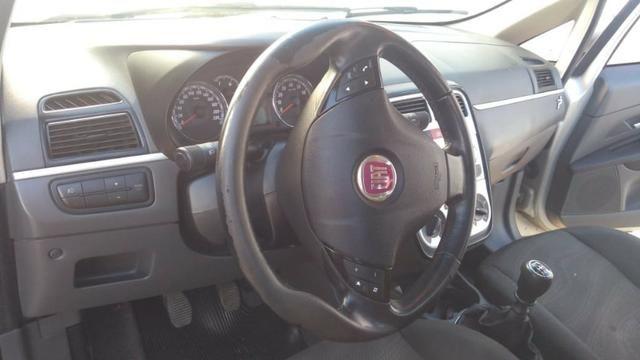 Fiat Punto ELX 1.4 2009/2010 Flex 8V, 5 portas, Cor prata - Foto 14
