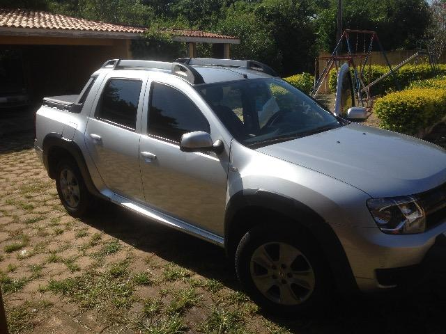 Hilux troca Renault oroch automática