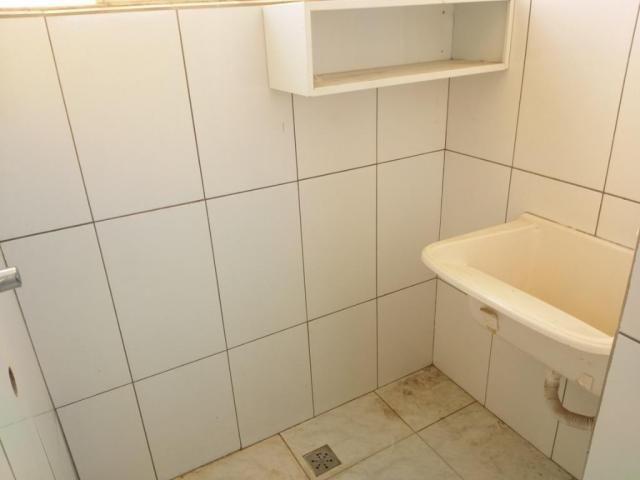 Apartamento com 3 dormitórios para alugar, 0 m² por R$ 700,00/mês - Estados Unidos - Ubera - Foto 4