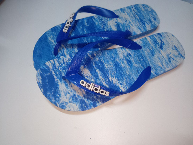 Chinelos e sandálias