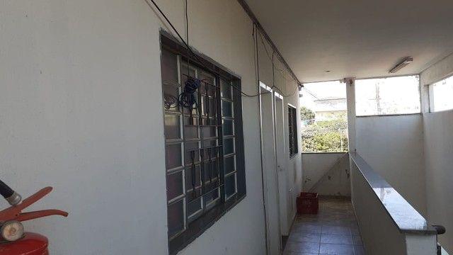 Edifício residencial para venda possui 600 metros quadrados com 14 Kitnets - Foto 6