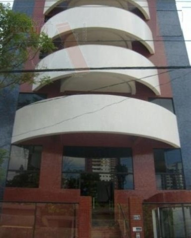 Ótimo apartamento no Ed. Torre de Itaúna - 4 suítes, 198m²