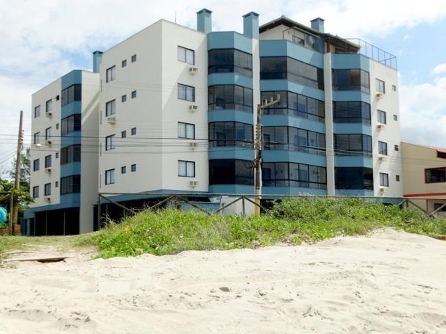1579 - Apartamento Frente Mar