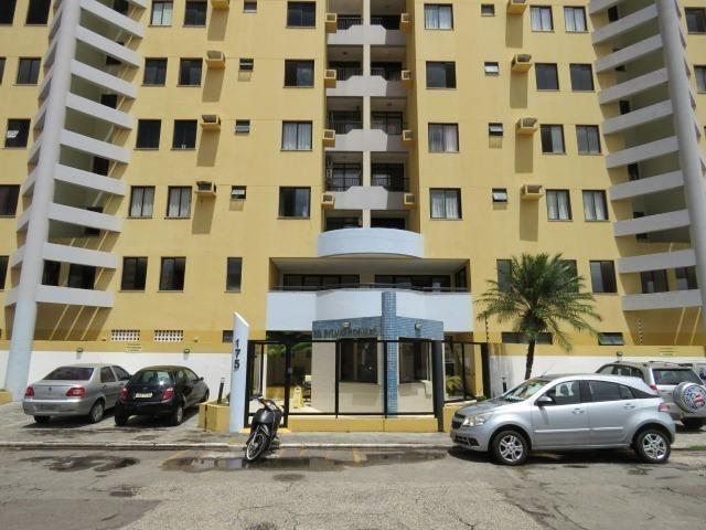 Condomínio do Edifício Sylvio Romero na 13 de Julho
