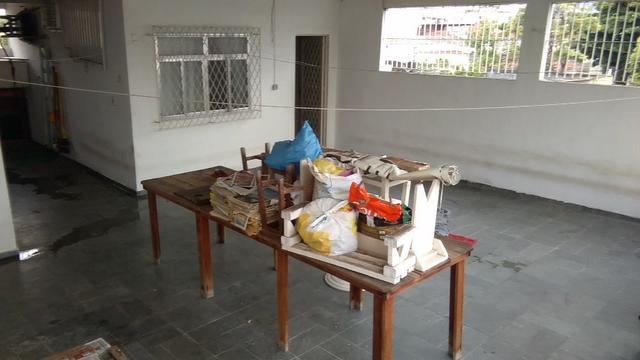 Rua Flaminia, casa c 2 qts com 147mº na Vila da Penha, enorme terraço com churrasqueira