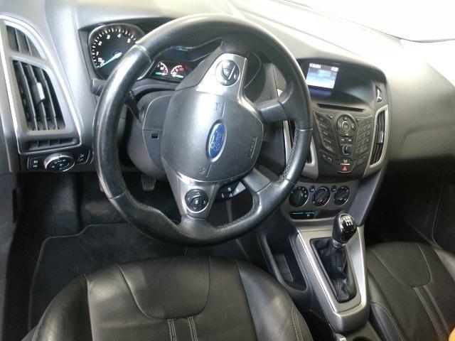 Ford focus novíssimo [ vendo ou troco] - Foto 3