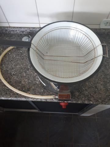 Fritadeira à Gás de aço inoxidável Semi Nova - Foto 2