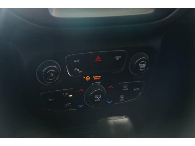 Jeep Compass LONGITUDE 2.0 4X4 - Foto 9