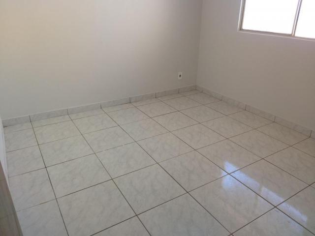 Apartamento com 3 dormitórios para alugar, 0 m² por R$ 700,00/mês - Estados Unidos - Ubera - Foto 8