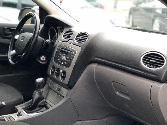 Ford Focus 2011 1.6 Manual - Foto 8