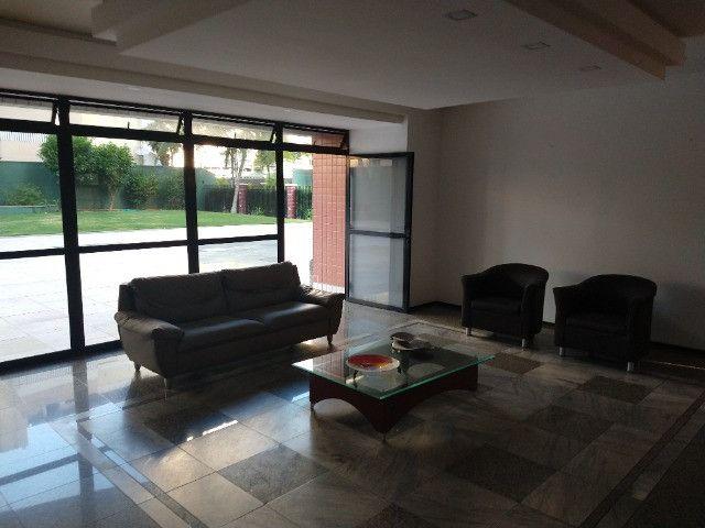 Apartamento Nascente no melhor do Bairro Meireles ao poucos metros da Beira Mar - Foto 14
